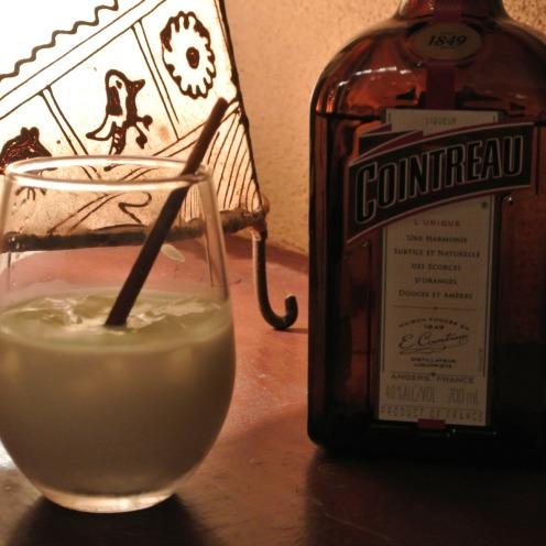 Cointreau & Milk 700yen