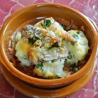 パタタスアリオリとオイルサーディンのチーズ焼き